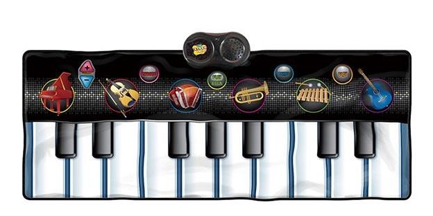 Un pianoforte gigante da suonare con i piedi