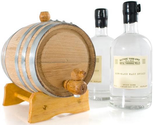 Il kit per preparare il whisky a casa