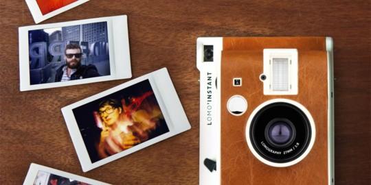 La macchina fotografica istantanea Lomo