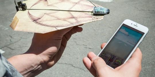Il kit per telecomandare gli aeroplani di carta