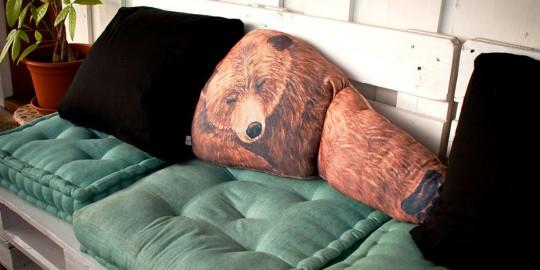Un orso per cuscino!